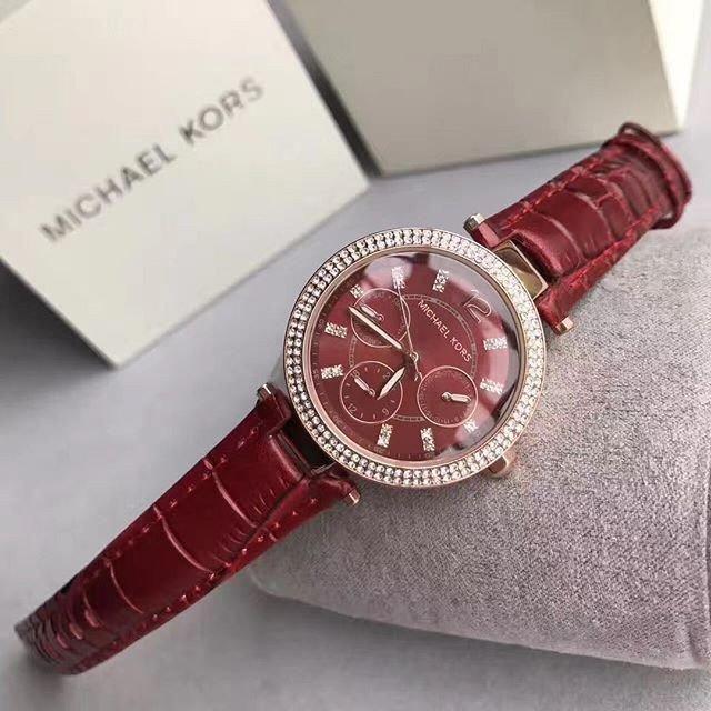 Đồng hồ Michael Kors là sự kết hợp hoàn hảo giữa công nghệ và thời trang