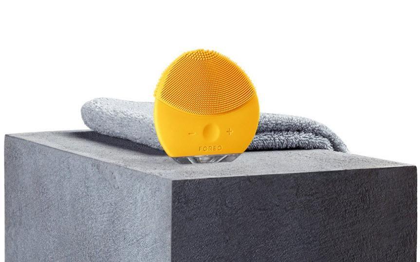 Máy rửa mặt Foreo Luna Mini màu vàng