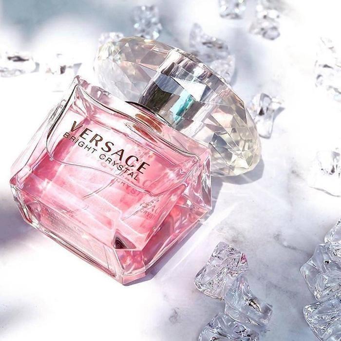 Thiết kế chai nước hoa Versace Bright Crystal 50ml