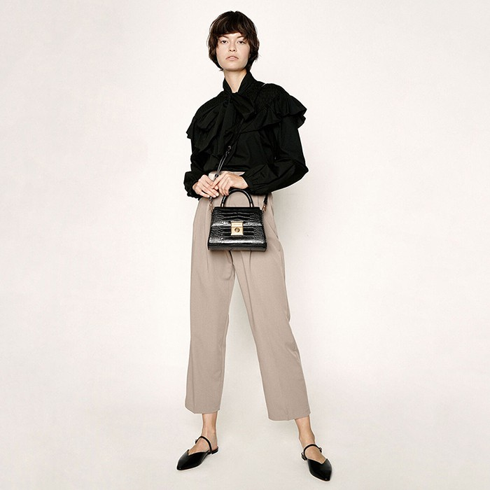 Túi Xách Tay Charles & Keith Croc-Effect Structured Sculptural Bag CK2-50781127 Màu Đen Singapore