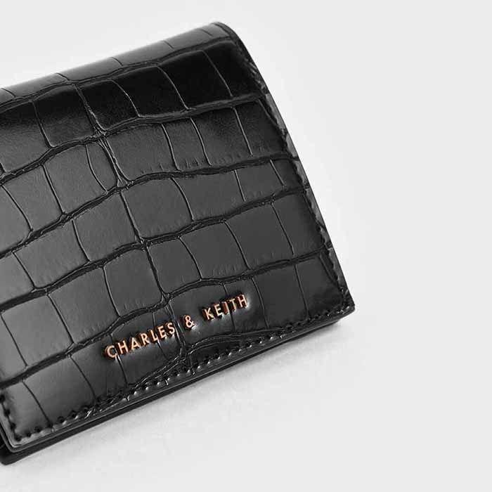 Đặc điểm Ví Charles & Keith Croc-Effect Small Wallet CK6-10701003 Màu Đen