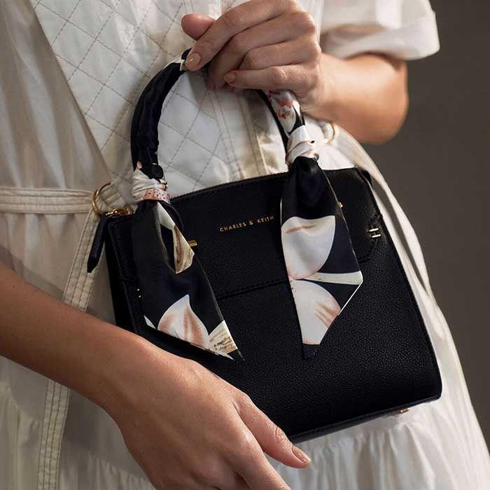 Đặc điểm túi Charles & Keith Scarf-Wrapped Top Handle Bag màu đen - ảnh 1