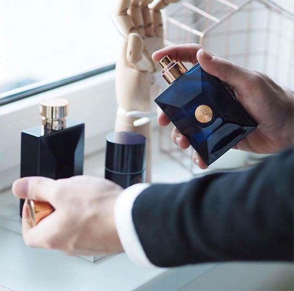 Mùi hương của Versace Pour Homme Dylan Blue EDT thời thượng, lịch thiệp