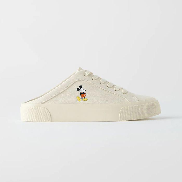 Đặc điểm nổi bật Giày Zara Hở Gót In Hình Chuột Mickey - Disney màu Trắng Sữa Size 37