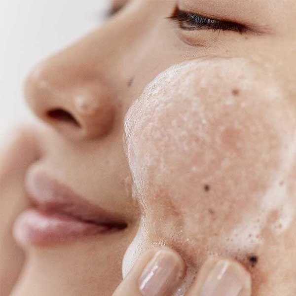 Ưu điểm của Fresh Soy Face Cleanser