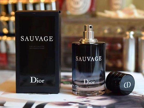 Thiết kế chai nước hoa Dior Sauvage 100ml bí ẩn, cá tính