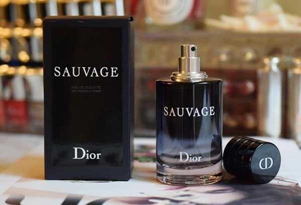 Thiết kế chai nước hoa Dior Sauvage EDT 100ml bí ẩn, nam tính