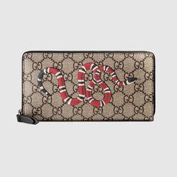 Ví Gucci Kingsnake Print GG Supreme Zip Around Wallet Màu Nâu