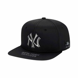 Mũ MLB Gradation Hologram Snapback New York Yankees 32CPK4011-50L Màu Đen