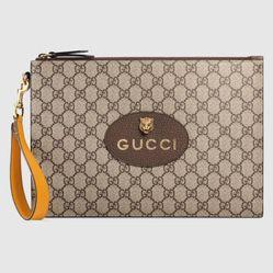 Túi Cầm Tay Gucci Neo Vintage GG Supreme Pouch Màu Nâu