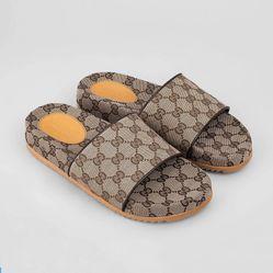 Dép Gucci GG Canvas Slide Sandal Màu Nâu