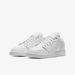 Giày Thể Thao Nike Air Jordan 1 Low Triple White 553560-130 Màu Trắng