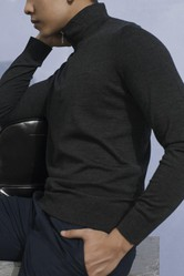 Áo Len Nam Giovanni UA027-GY Màu Xám Đậm Size 46