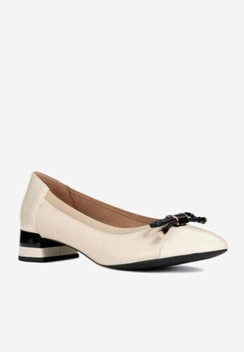 Giày Búp Bê Nữ Geox D Chloo M.C Đính Nơ Màu Kem Size 39