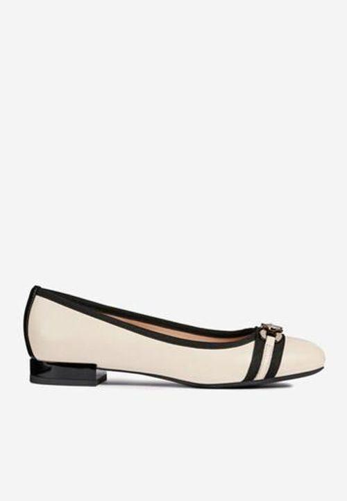 Giày Búp Bê Nữ Geox D Wistrey C Màu Kem Size 35